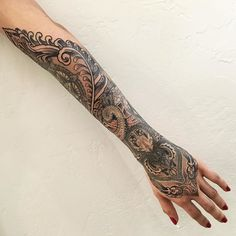 1000 ideas about mid back tattoos on pinterest small compass tattoo back tattoos and back. Black Bedroom Furniture Sets. Home Design Ideas