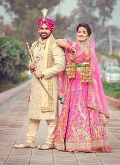 Sikh wedding photography of Punjab bride and groom. Indian Bridal Photos, Indian Wedding Pictures, Indian Wedding Poses, Punjabi Wedding Couple, Couple Wedding Dress, Wedding Picture Poses, Indian Pictures, Sikh Wedding, Indian Wedding Couple Photography