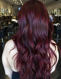Pin by on hair in 2019 mahogany hair, deep burgundy hair, red hair. Pelo Color Vino, Pelo Color Borgoña, Color Red, Ombre Colour, Color Tones, Hair Color And Cut, Cool Hair Color, Deep Burgundy Hair Color, Ombre Burgundy
