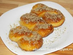 Absolut Delicios - Retete culinare: MUCENICI MOLDOVENESTI (SFINTISORI) Romanian Food, Romanian Recipes, Pan Dulce, Pastry And Bakery, Snacks For Work, World Recipes, Baked Goods, Sweet Tooth, Food And Drink