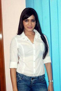 Princess Pictures, Princess Pics, Actress Pics, South Indian Actress, Indian Girls, Sweet Girls, Beautiful Actresses, Bollywood Actress, Indian Actresses