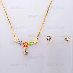 collar y aretes con flores de dorado en acero-SSNEG804100