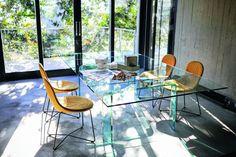 Krzesła do jadalni - piękne i wygodne modele - Galeria - Dobrzemieszkaj.pl Dining Chairs, Dining Table, Outdoor Furniture, Outdoor Decor, Contemporary Furniture, Doodles, Patio, Instagram, Design