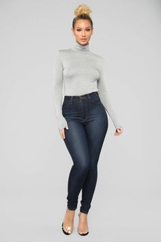 Perfect Body Girl, 18th Birthday Outfit, Bodysuit Fashion, Perfect Jeans, Fashion Nova Models, Curvy Girl Fashion, Sexy Jeans, Girls Jeans, Fit Women