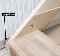 Så enkelt lager du din egen trapp - viivilla.no Wood, Crafts, House, Stairs, Manualidades, Woodwind Instrument, Home, Timber Wood, Trees