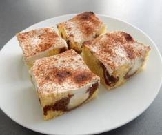 Buchta se zakysanou smetanou Eclairs, Tiramisu, Ham, French Toast, Food And Drink, Breakfast, Ethnic Recipes, Sweet, Desserts