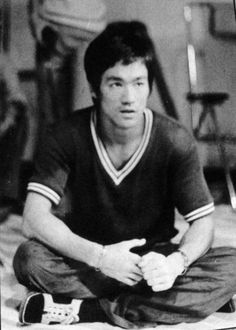Way Of The Dragon, Enter The Dragon, Bruce Lee Wing Chun, Bruce Lee Pictures, Game Of Death, Jeet Kune Do, Idol, Jet Li, Warrior Spirit