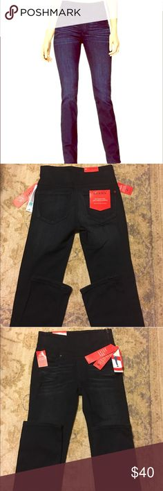 NWT SPANX Signature Straight Leg Jeans 24 Dark dipped slimming dark wash. Shaping waistband that conforms to curves and eliminates muffin top. Front & Back pockets. Side zip. Inner/Outer tight slimming for lean legs. NWT. SPANX Jeans Straight Leg