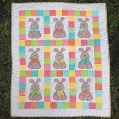 Bunnies and Bows  Quilt - Appliqué