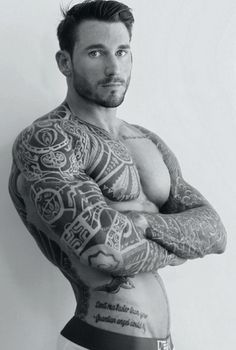 Handsome Men. Beautiful Ink. Deliciously Furry. Follow: http://tattooandscruff.tumblr.com