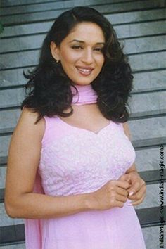 Bollywood Outfits, Bollywood Actors, Madhuri Dixit Hot, Salwar Suits Simple, Vintage Bollywood, Ethereal Beauty, Indian Celebrities, India Beauty, Timeless Beauty