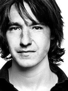 Young Alan Rickman in Black Bu. is listed (or ranked) 3 on the list 12 Pictures of Young Alan Rickman Look At You, How To Look Better, Beautiful Men, Beautiful People, Dane Dehaan, Cinema, Actrices Hollywood, Evan Peters, British Actors
