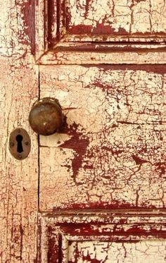 Farm Door, Farms Living, Country Farm, African Style, Pictures To Paint, Closed Doors, Knock Knock, Decay, Provence