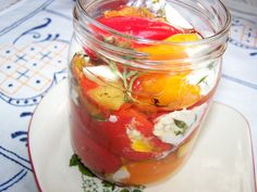 Papryczki nadziewane w oliwie z dodatkiem soku i skórki cytrynowej