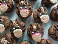 Horse muffins - the icing on the cake at the horse birthday party - Kinder Geburtstag - Cupcakes Cupcakes Amor, Cupcake Cakes, Food Cakes, Cupcake Ideas, Easy Smoothie Recipes, Snack Recipes, Fall Desserts, Delicious Desserts, Low Fat Cake