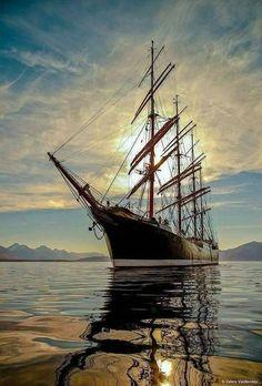 I have dreams of sailing on tall ships Bateau Pirate, Old Sailing Ships, Ghost Ship, Ship Paintings, Wooden Ship, Yacht Boat, Tug Boats, Tall Ships, Ship Art