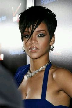 Love this singer!!!  Rihanna is another wonderful idol of mine.