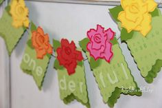 Onederful Party Banner  #firstBirthday #highchairbanner #roses #gardenparty #Banner #onederful #aliceinwonderland  Custom orders at RoyGBivs@etsy.com