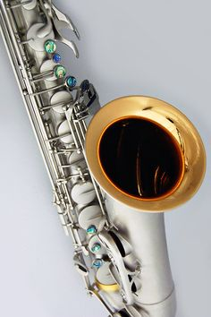 This is the stunning Ice Storm saxophone by CE Winds.