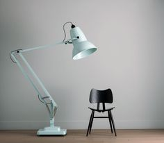 Designed by George Carwardine.The Giant1227 is three times the size of the standard lamp. It has an aluminum base with castors for easy positioning, and comes supplied with a bulb Giant1227 Lamp