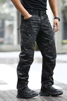 These Men's Dark-Multicam Tactical Pants Urban Pro Stretch Pants are crafted using polycotton ripstop, a premium fabric blend that provides load-bearing capabilities, durability and comfort far beyond anything else on the market. And with enhanced stitching, a stretchable waistband, you can stay fluid and unhindered when making quick, tactical movements. Tactical Armor, Tactical Cargo Pants, Tactical Clothing, Tactical Gloves, Date Night Outfit Curvy, Leather Men, Leather Armor, Casual Outfits, Men Casual
