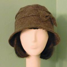 Cloche hat - grey wool felt with bow