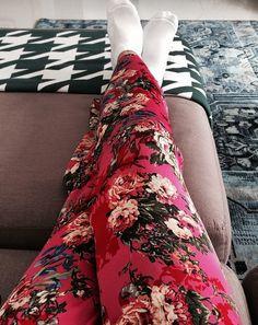A Vivi Pontes do insta: @vivitpontes usou pijama jogê numa composição de estampas que amamos!