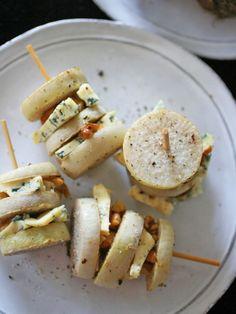 里芋の皮むきは面倒だけれど、揚げた後ならつるりと簡単!  『ELLE a table』はおしゃれで簡単なレシピが満載!