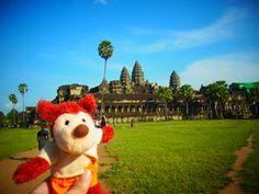 今回の旅の目的地は、   アンコールワット、カンボジアです。    日本との気温差は約20度。夏というか、真夏でした。