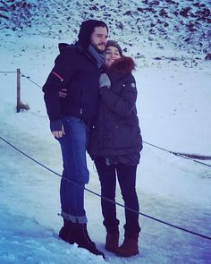 Kit Harington & Emilia Clarke on location in Iceland for GoT Season (January, Jon Snow And Daenerys, Dany And Jon, Game Of Thrones Cast, Game Of Thrones Funny, Khal Drogo, Emilia Clarke, Kit And Emilia, Game Of Trone, Eddard Stark