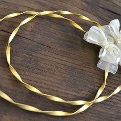 Χειροποίητα μοναδικά στέφανα υψηλής αισθητικής σχέδιο Αντιγόνη. Τα στέφανα αποτελούνται από μια χειροποίητη, στριφτή, ματ επίχρυση βέργα 24 καρατίων. Flower Decorations, Wedding Decorations, Perfect Wedding, Gold Necklace, Wedding Inspiration, Wreaths, Wedding Crowns, Bride, Flowers