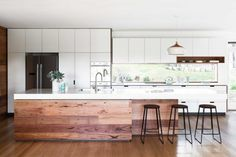 Cantilever Interiors_Custom Kitchen_The Boulevard_Photo credit Martina Gemmola, Styling Ruth Welsby_01-14