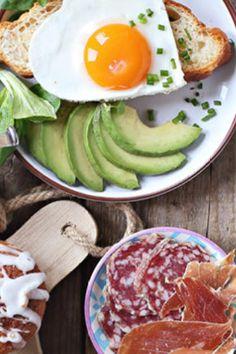 Udělejte si v neděli brunch Brunch, Eggs, Breakfast, Food, Morning Coffee, Essen, Egg, Meals, Yemek