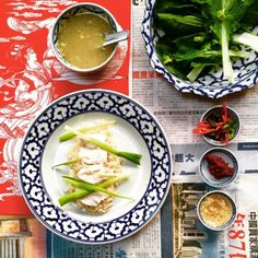 Easy, tasty chicken rice made with fresh home cooked stock and served with lots of chilli.