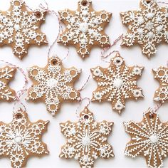 """Sweet Ambs makes these Snowflake Cookie #Ornaments look easy. Get the recipe (& 50+ more) + her amazing tutorial video for the…"""""""