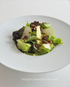 Ensalada de queso, manzana y vinagreta de frutos secos | Margot Cosas de la Vida