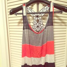 Forever21 blue and orange floral back tank Forever 21 Orange and blue tank. Great for game days if you're an Auburn girl! WDE! Cute for any occasion. Forever 21 Tops Tank Tops
