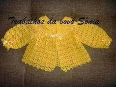Trabalhos da vovó Sônia: Casaquinho de bebê leques amarelos - crochê