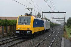 Volgens planning komt er elke Maandag ochtend een nieuwe NSR Traxx naar Nederland. Ook op 22 Augustus gebeurde dat. Wat wel opviel is dat de net gereviseerde 186 144 ook mee kwam. Hier komt het setje als trein 20193 door station Apeldoorn Osseveld onderweg naar Amsterdam.
