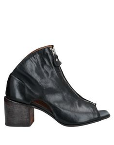 MOMA Ankle boot. #moma #shoes Moma Shoes, Black Ankle Boots, World Of Fashion, Luxury Branding, Soft Leather, Open Toe, Shoe Boots, Booty, Zip