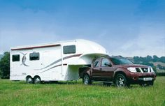 fifth-wheel-trailer-and-pickup-truck-public-domain