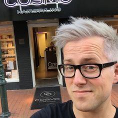 Grey hair!! @cosmohairstyle Bussum. Happy!!!