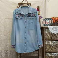 Perfect gift for vintage lovers. Button Down Shirts – Vintage embroidery Denim Shirt / blue jeans – a unique product by DIYtime via en.DaWanda.com