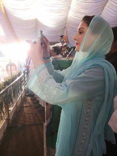 Designer Punjabi Suits, Indian Designer Wear, Stylish Dresses, Casual Dresses, Summer Dresses, Nawaz Sharif, Hijabs, Pakistani Dresses, Salwar Suits