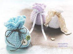 So einfach kann man eine Geschenktüte selber häkeln! Klein oder gross, immer nach dieser einfachen Anleitung. Material:  ...
