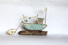 Over the Channel Sea Crafts, Wire Crafts, Diy Home Crafts, Arts And Crafts, Wire Art Sculpture, Wire Sculptures, Paper Mache Bowls, Deco Marine, Stick Art