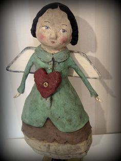 Primitive style paper mache angel doll with red heart. Paper Mache Projects, Paper Mache Clay, Paper Mache Crafts, Art Projects, Clay Dolls, Art Dolls, Paperclay, Angel Art, Altered Art