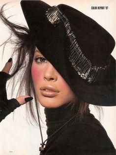 1987 - Christy Turlington by Irving Penn / Make Up Kevyn Aucoin (US Vogue)