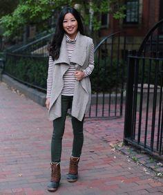 Sweater vest + @sorelfootwear Sundays, plus a big coat on top as it's in the 30s! ❄️ #SORELstyle #fallfashion #cozy