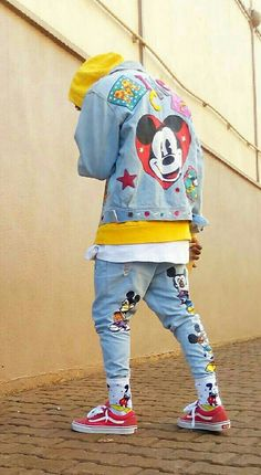 #90S Picks | @houstosoho / @disney Embroided Mickey Mouse #DENIM